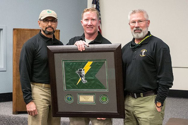 Billy Hall (center) receives the Colonel Sydnor Award from Ben Bitonel (left) and Kerry Wisniewski